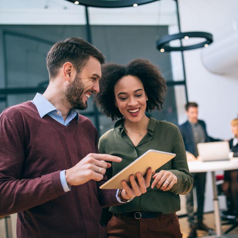 10 características de liderazgo para guiar tu carrera